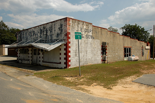 jacksonville ga telfair county j e dopson sons store photograph copyright brian brown vanishing south georgia usa 2008