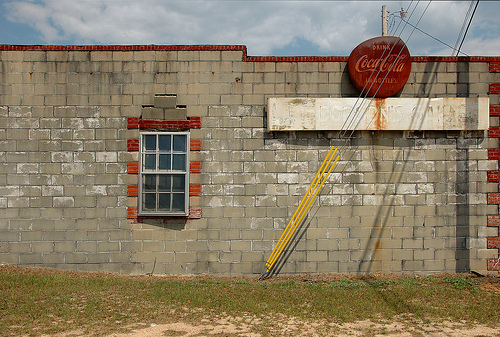 jacsonville-ga-telfair-county-j-e-dopson-sons-store-commercial-architecture-rusted-coca-cola-sign-photograph-copyright-brian-brown-vanishing-south-georgia-usa-2008