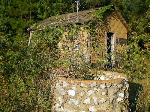 sibbie ga wilcox county precinct house fieldstone well photograph copyright brian brown vanishing south georgia usa 2008