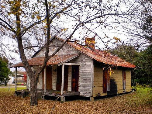 Queensland GA Ben Hill County Abandoned Vernacular House Photograph Copyright Brian Brown Vanishing South Georgia USA 2008