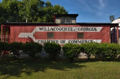 willacoochee ga caboose chamber of commerce photograph copyright brian brown vanishing south georgia usa 2008