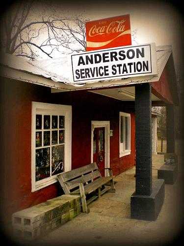 rhine ga anderson service station photograph copyright brian brown vanishing south georgia usa 2008