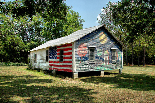 broxton ga farmhouse mural photograph copyright brian brown vanishing south georgia usa 2009