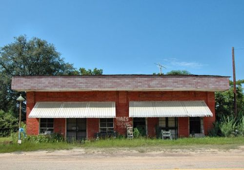 osierfield grocery irwin county ga photograph copyright brian brown vanishing south georgia usa 2009
