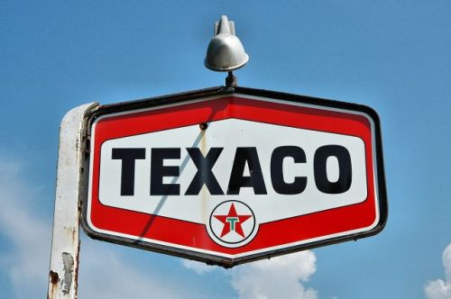 texaco sign osierfield grocery irwin county ga photograph copyright brian brown vanishing south georrgia usa 2009