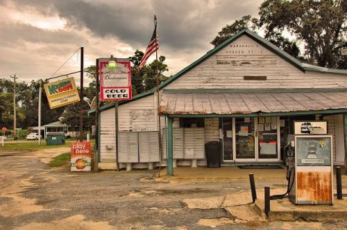 cotton ga marshalls corner grocery post office photograph copyright brian brown vanishing south georgia usa 2009