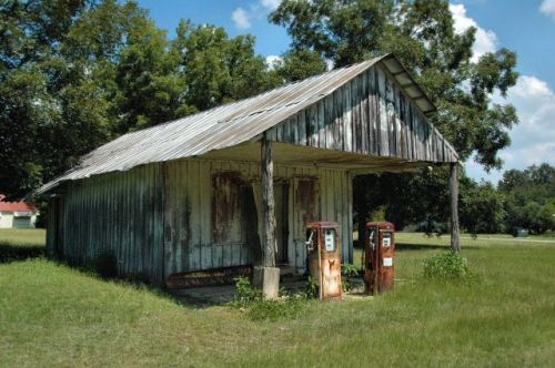 hinsonton ga mitchell county johnsons grocery photograph copyright brian brown vanishing south georgia usa 2009