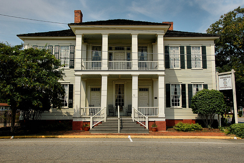 historic antebellum bedingfield inn lumpkin ga photograph copyright brian brown vanishing south georgia usa 2009
