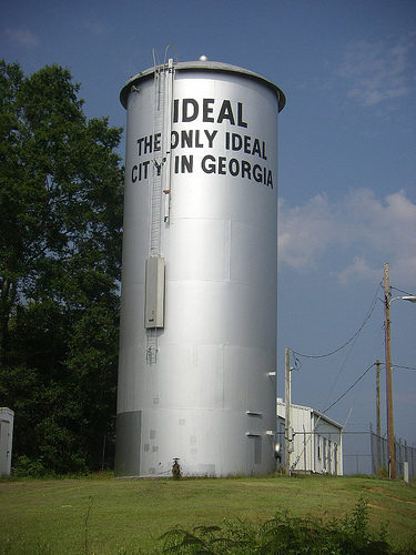 ideal ga water tower photograph copyright brian brown vanishing south georgia usa 2009