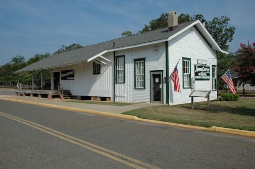 plains-depot-jimmy-carter-national-historic-site-photograph-copyright-brian-brown-vanishing-south-georgia-usa-20111