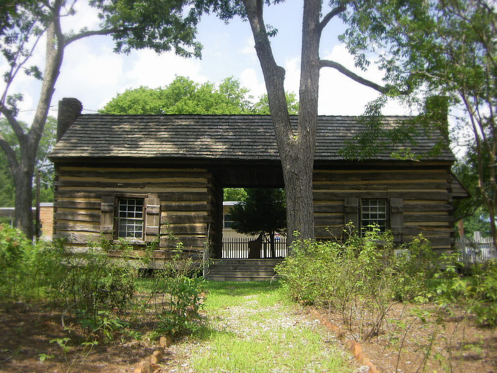 1000 images about log cabins on pinterest old cabins for Log cabin builders in alabama