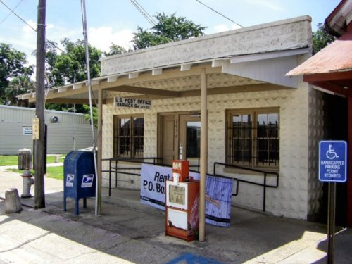 barwick ga post office photogaph copyright brian brown vanishing south georgia usa 2009