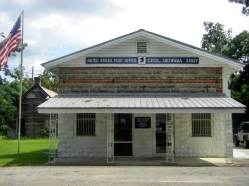 cecil ga u s post office photograph copyright brian brown vanishing south georgia usa 2009