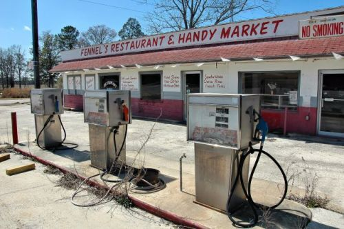 bristol ga fennels restaurant handy market photograph copyright brian brown vanishing south georgia usa 2009