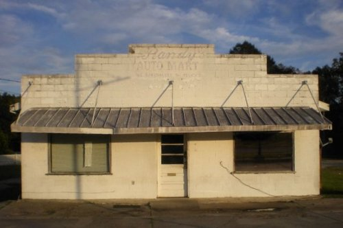 moultrie ga hall bennetts grocery photograph copyright brian brown vanishing south georgia usa 2009