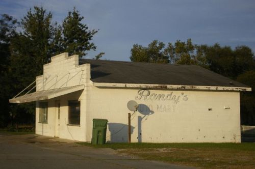 moultrie ga halls grocery photograph copyright brian brown vanishing south georgia usa 2009