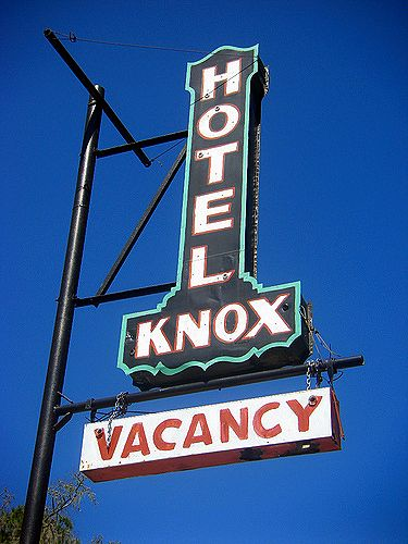 nahunta ga historic knox hotel sign photograph copyright brian brown vanishing south georgia usa 2009