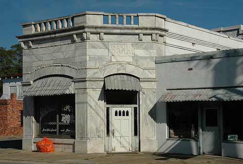collins-ga-tattnall-county-marble-front-facade-bank-architecture-early-20th-century-commercial-pictures-photo-copyright-brian-brown-vanishing-south-georgia-usa-2010