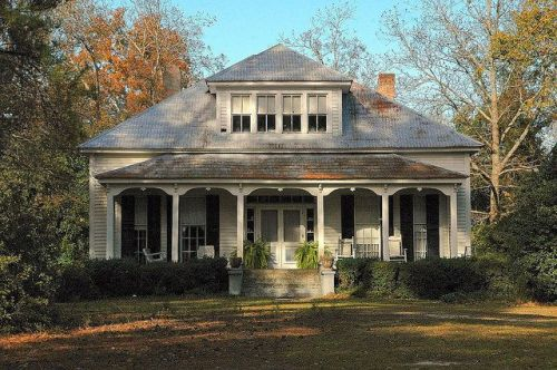 danville ga historic maxwell house photograph copyright brian brown vanishing south georgia usa 2009