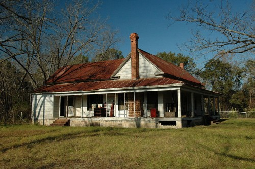 alamo ga farmhouse photograph copyright brian brown vanishing south georgia usa 2009