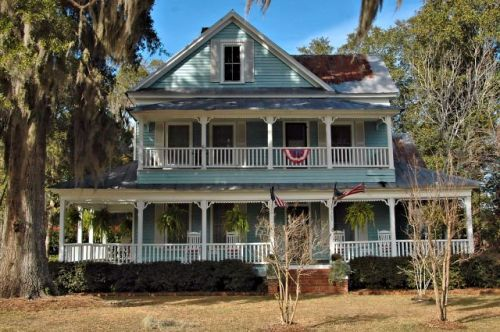 springfield ga folk victorian house photograph copyright brian brown vanishing south georgia usa 2009