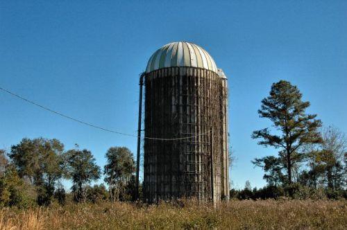long-county-ga-stafford-dairy-silo-photograph-copyright-brian-brown-vanishing-south-georgia-usa-2010