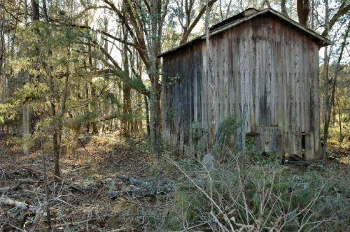 long-county-ga-tobacco-barn-photogrpah-copyright-brian-brown-vanishing-south-georgia-usa-2010