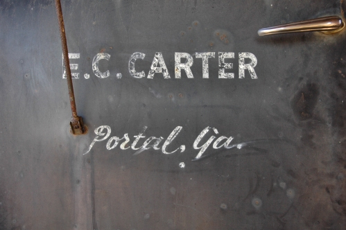 portal-ga-bulloch-county-e-c-carter-warehouse-work-truck-1940s-1950s-international-door-sign-photo-copyright-brian-brown-vanishing-south-georgia
