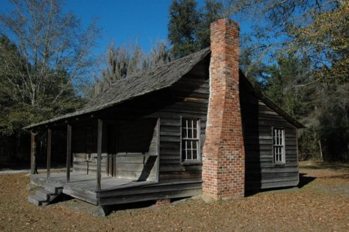 turpentine-cabin-wefanie-ga-long-county-photograph-copyright-brian-brown-vanishing-south-georgia-usa-2010