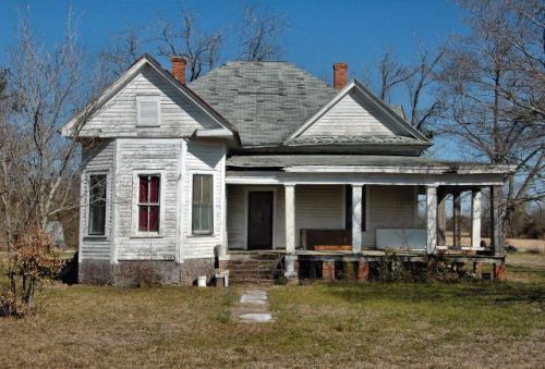 doles ga eclectic victorian farmhouse photograph copyright brian brown vanishing south georgia usa 2010