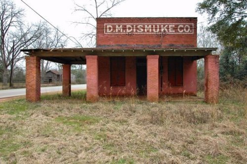 graves ga dismuke store photograph copyright brian brown vanishing south georgia usa 2010