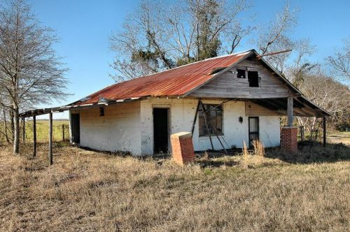 irwin county ga country store photograph copyright brian brown vanishing south georgia usa 2010