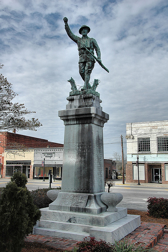 nashville ga the spirit of the american doughboy wwi statue photograph copyright brian brown vanishing south georgia usa 2010