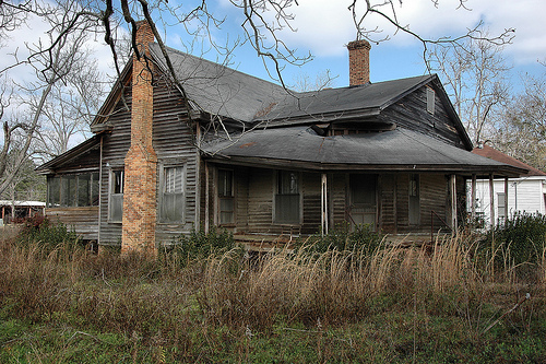 Abandoned southern mansions for Old farm houses for sale in georgia