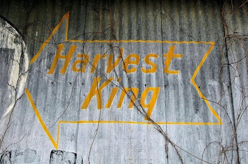 uvalda ga harvest king barn sign photograph copyright brian brown vanishing south georgia usa 2010