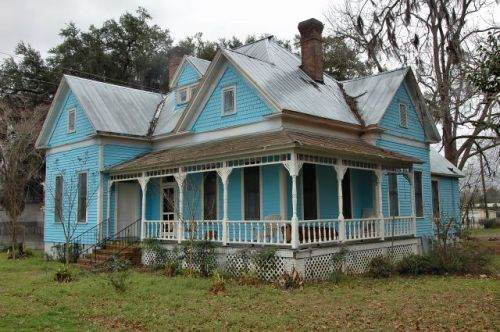 valdosta ga folk victorian house photograph copyright brian brown vanishing south georgia usa 2010