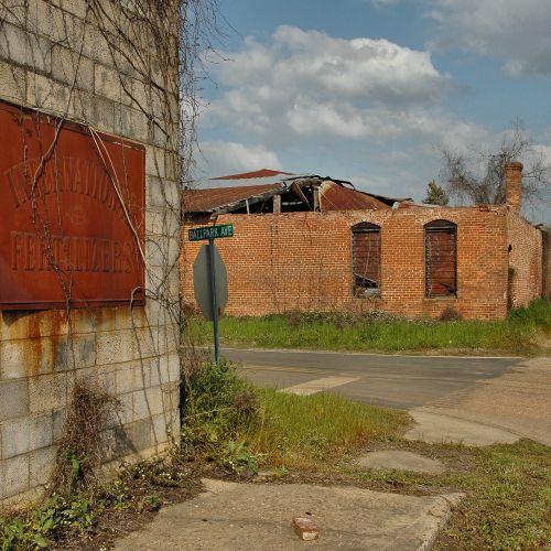 damascus ga abandoned warehouses photograph copyright brian brown vanishing south georgia usa 2010