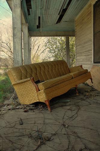 damascus ga front porch abandoned sofa photograph copyright brian brown vanishing south georgia usa 2010