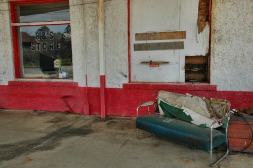 leary ga abandoned storefront photograph copyright brian brown vanishing south georgia usa 2010