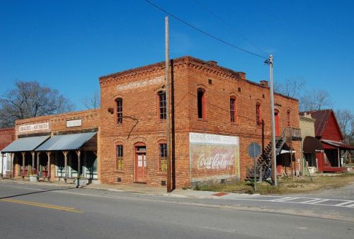 pitts ga kings store corner photograph copyright brian brown vanishing south georgia usa 2010