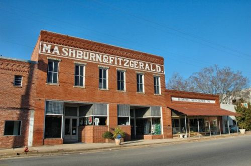 rochelle ga mashburn fitzgerald building photograph copyright brian brown vanishing south georgia usa 2010