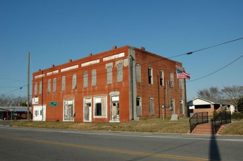 rochelle ga w c brown building photograph copyright brian brown vanishing south georgia usa 2010