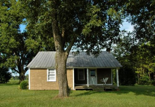 irwin county ga morris farmhouse front porch photograph copyright brian brown vanishing south georgia usa 2010