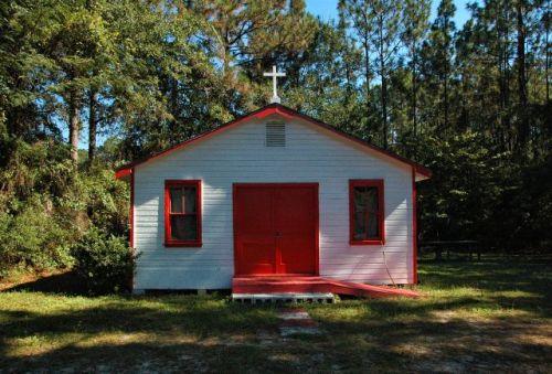 jesup ga pentecostal church photograph copyright brian brown vanishing south georgia usa 2010