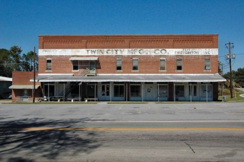 twin city ga commercial block photograph copyright brian brown vanishing south georgia usa 2010