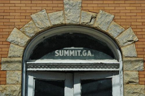 twin city ga summit transom photograph copyright brian brown vanishing south georgia usa 2010