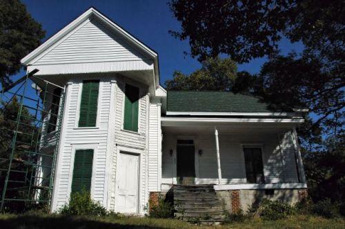 historic marshallville ga crowe house photograph copyright brian brown vanishing south georgia usa 2012