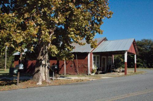 plainfield-ga-ben-hornes-store-photograph-copyright-brian-brown-vanishing-south-georgia-usa-2010