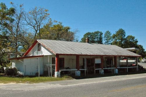 roddy ga kirkpatricks store photograph copyright brian brown vanishing south georgia usa 2010