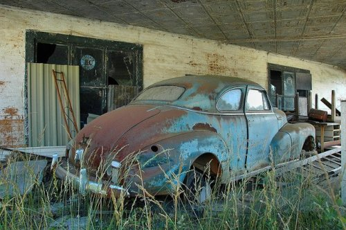 kite ga abandoned service station chevrolet fleetmaster photograph copyright brian brown vanishing south georgia usa 2011